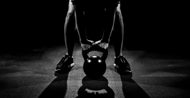 3589986840-kettlebell-man-workout-D1YA-D1YA-1920x1080-MM-100